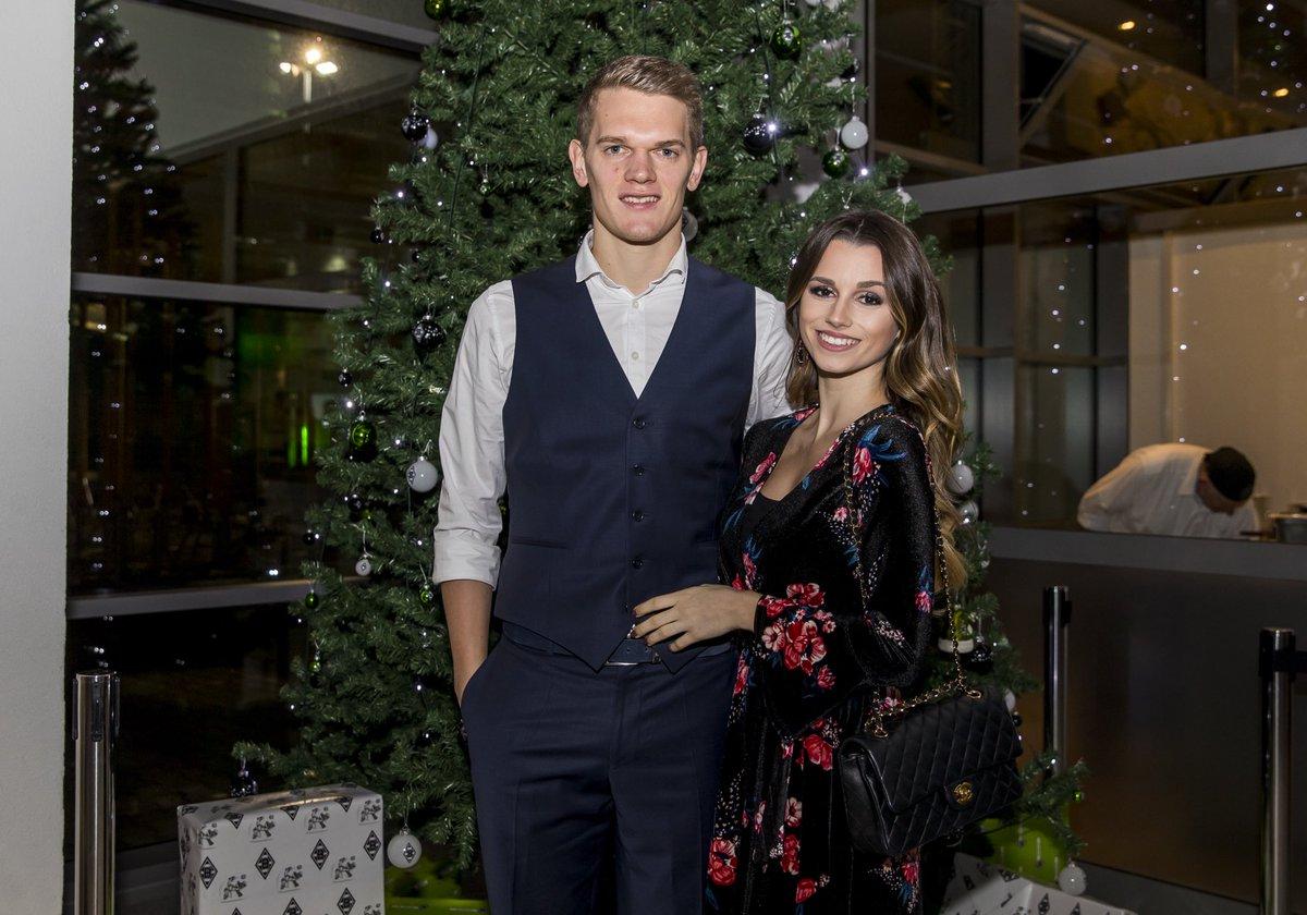 Weihnachtsfeier Mönchengladbach.Borussia On Twitter Die Borussia Familie Stimmt Sich Auf Der