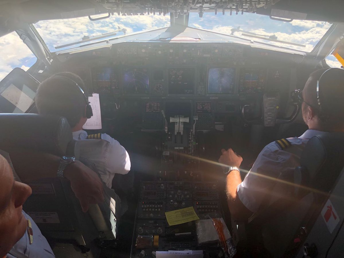 Iniciando o processo de aterrissagem. Estamos chegando! #VamosFlamengo #PorNossaNação