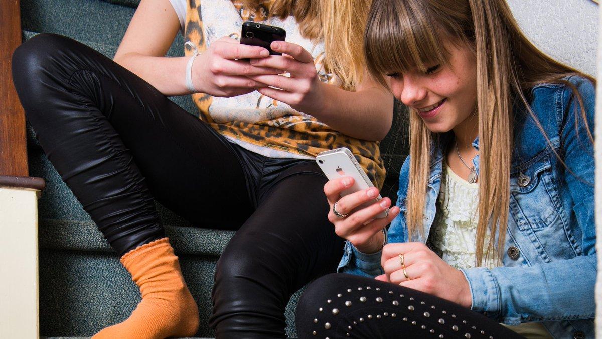 .@facebook tente de vous séduire... pour atteindre vos #enfants @messenger #kids https://t.co/SZt8RPlbfh
