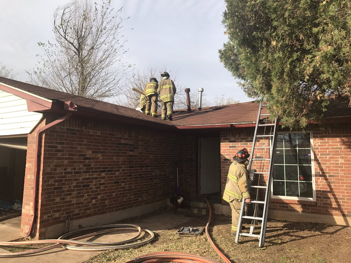 Fire Was In Attic Over Closet That Contained Water Heater And Central Heat  Unit. Nobody Home At Time Of Fire. No Injuries.pic.twitter.com/1qEDUFLvAe