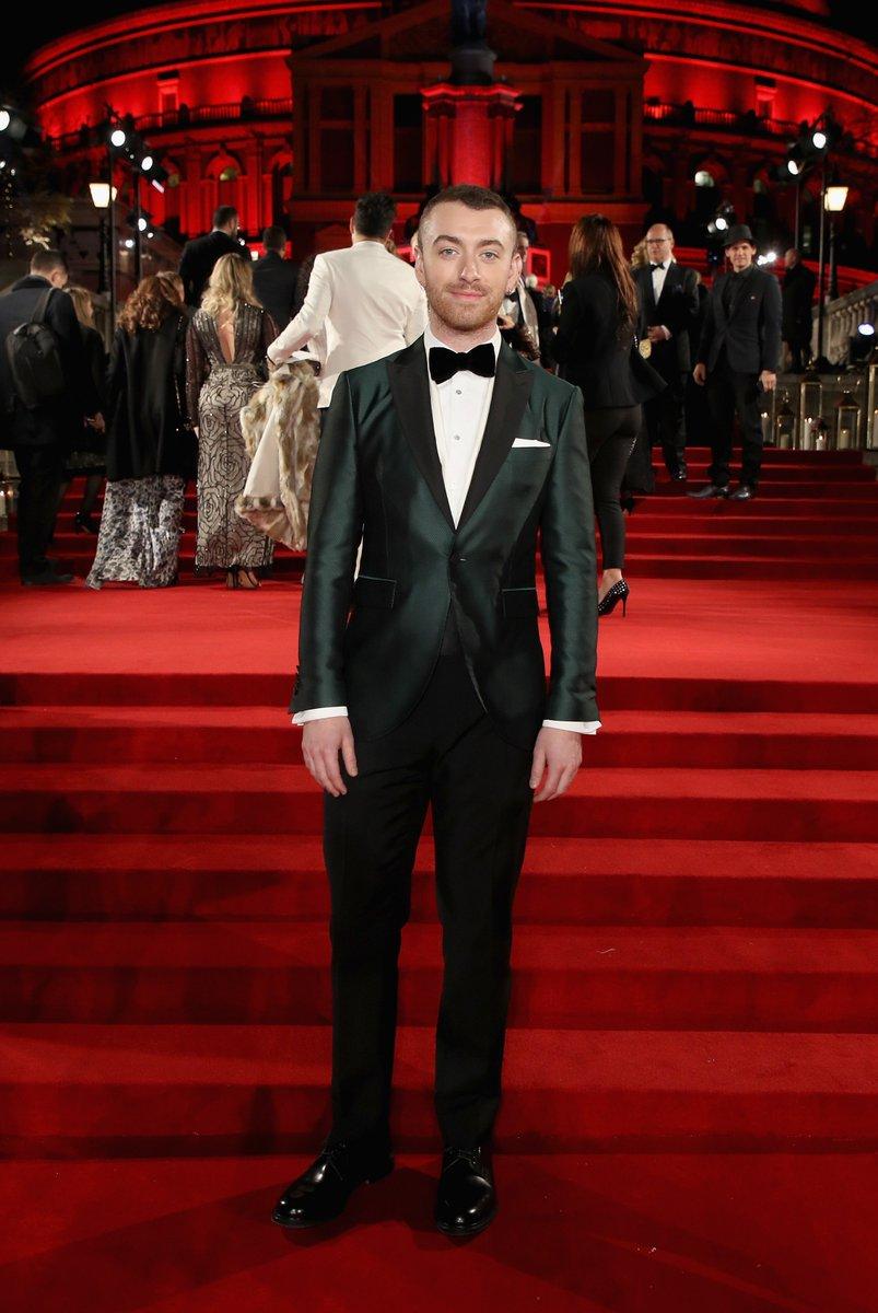 .@SamSmithWorld wears a @Burberry jacquard tuxedo to the #FashionAwards 2017 in London