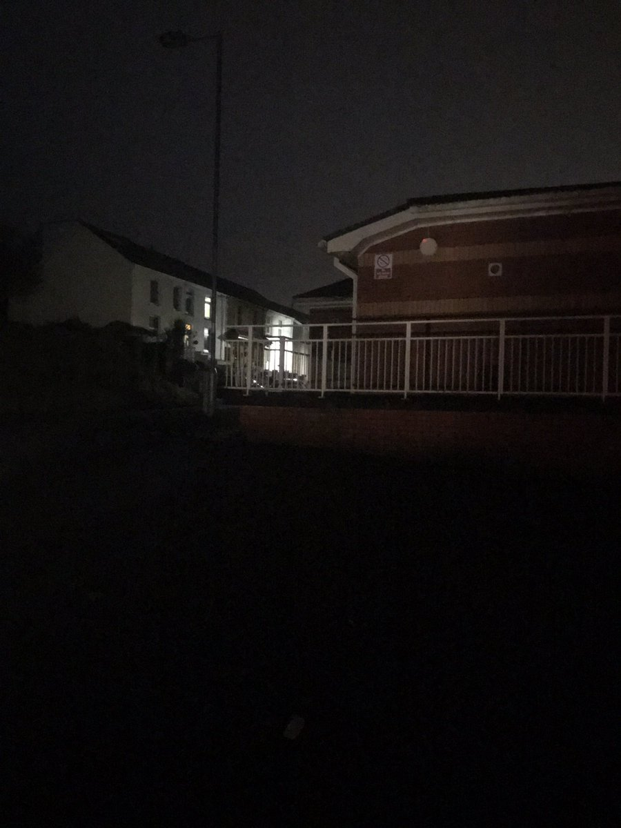 PCSO Jones has conducted reassurance patrols at Cefn yr Allt, Aberdulais throughout the evening due to a recent theft from a vehicle #aj #lockitorloseit<br>http://pic.twitter.com/DdWi46a7ac