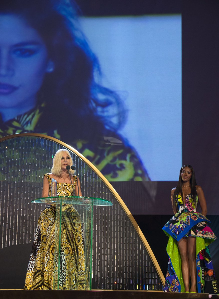 "The ""Fashion Icon"" award, presented by long-time friend @NaomiCampbell, marks yet another significant milestone in an emotional year for Artistic Director, #DonatellaVersace.  #FashionAwards #VersaceTribute #VersaceUnseen #London  https://t.co/3RxPsl4NwR"