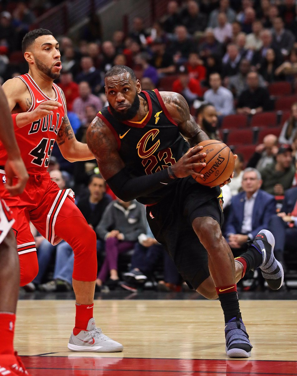 855261808755 lebron james in the player exclusive nike lebron soldier 11 vs chicago  allforone
