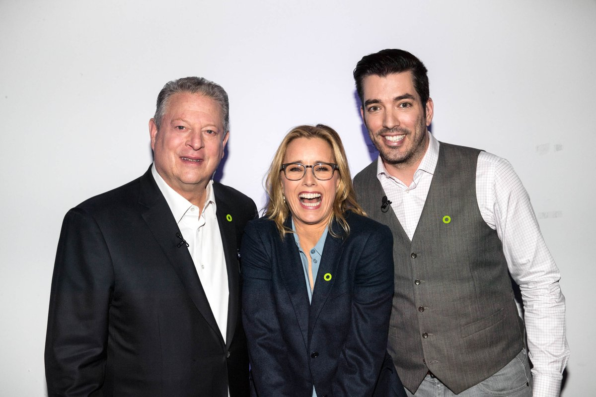 Thanks @TeaLeoni & @MrSilverScott for being a part of #24HoursofReality - Be the Voice of Reality!