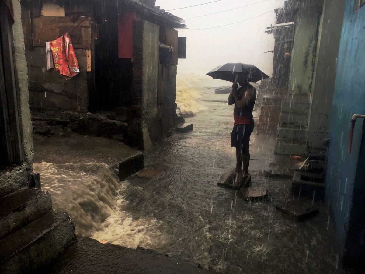 A weakened Ockhi cyclone may cause heavy rain in south Gujarat, Saurashtra coast till Dec 7: Gujarat govt