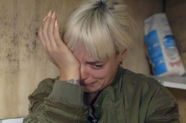 Lily Allen claims she'll be homeless as tenants 'refuse to leave' - https://t.co/3FAHFWNbB9 https://t.co/PK4tYd80nC