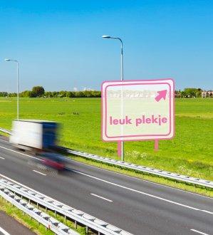 December is dé filemaand. Daarom verzamelden wij de leukste plekken langs de drukste wegen van Nederland. https://t.co/TBLghqVePZ https://t.co/lueDIwMHSS