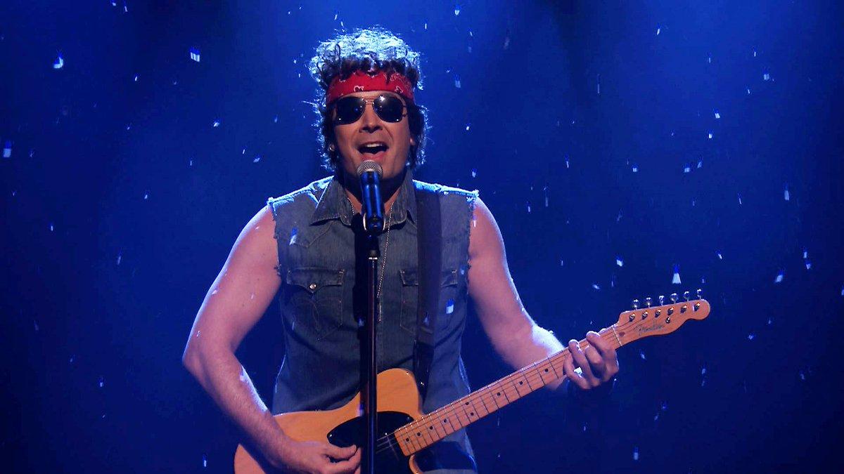 Bruce Springsteen Christmas.Fallon Tonight On Twitter Bruce Springsteen Sings A Brand