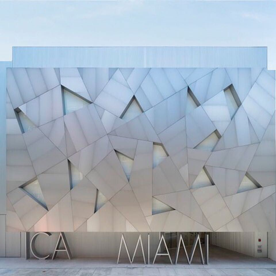 With the design worlds attention on Miami this week. I'm following @gregoryphillipsarchitects who is in Miami sharing what I'm missing!  #designmiami #miami #interiordesign #designmiamibasel #miamibasel  #Repost @gregoryphillipsarchitects ・・・ Today G…  http:// ift.tt/2A6oK4r     <br>http://pic.twitter.com/StinBAtWcV