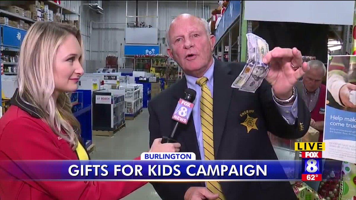 Alamance County Sheriff Terry Johnson Gifts Kids : Alamance