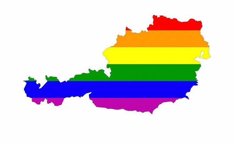 BREAKING: Austria legalizes marriage equ...