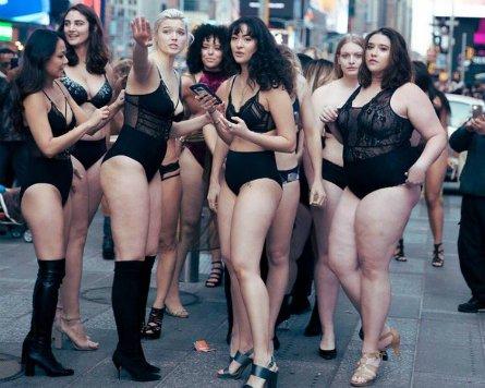 #TheRealCatwalk protesta de modelos de diversas tallas en Nueva York https://t.co/A8tcDJYRmK