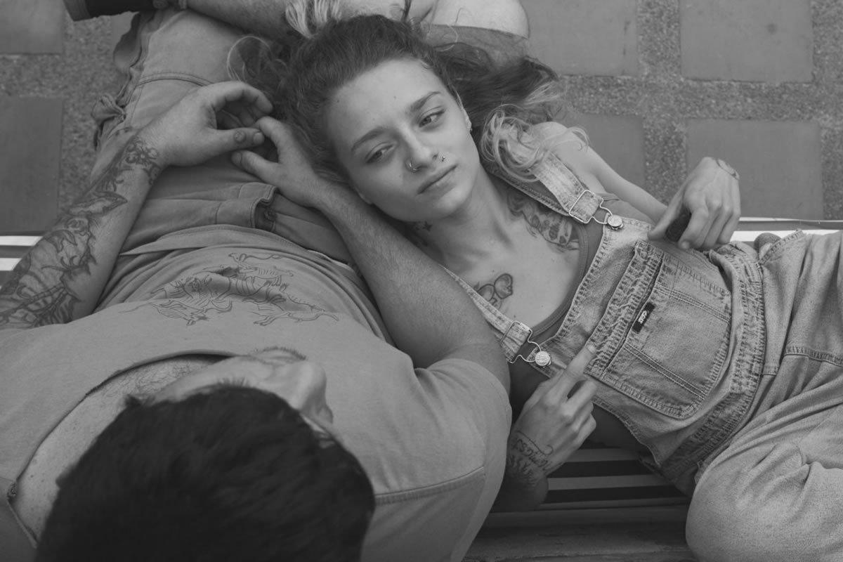 #Cinema Portrait réaliste mais jamais misérabiliste, #LosNadie décrit une jeunesse déclassée portée par une envie de liberté que rien ne peut arrêter. Un trip urbain colombien vivifiant. https://t.co/kI3wRUBFZg