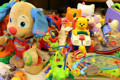 Grande braderie de Noël : récolter un maximum de jouets #solidarite #Noel #enfants https://t.co/ZnmmqiS6Yg