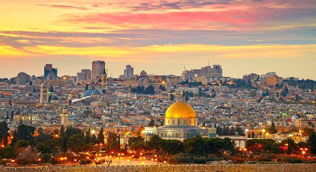 кровати, она фото иерусалима сегодня авторское днем рождения