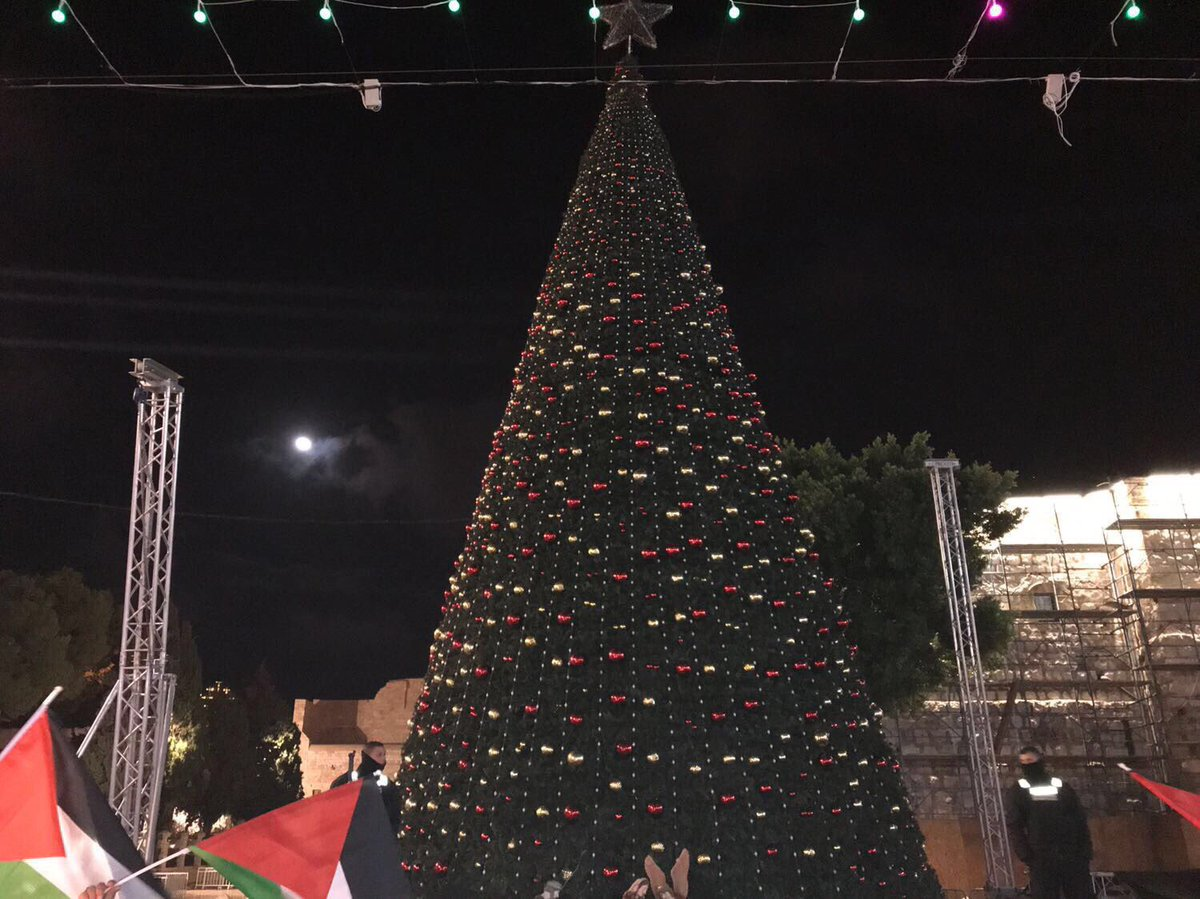 """The White House had a conference call with Christian faith leaders about Trumps Jerusalem announcement. Faith leaders were reportedly """"absolutely ecstatic"""" about todays decision. Meanwhile Christians in Bethlehem have turned off their Xmas tree lights to protest Trumps decision"""