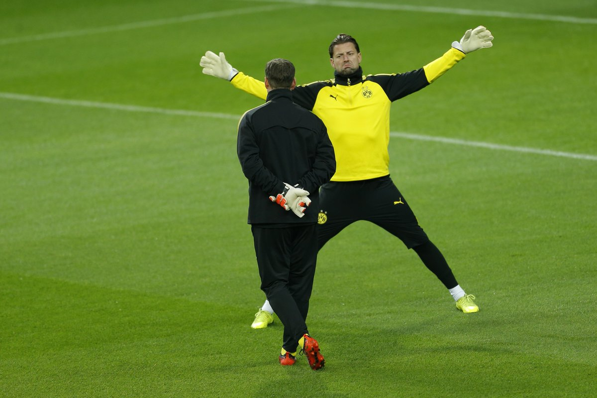 #Borussia #Dortmund can make history in #Madrid this evening: no team has ever qualified for the #UEL with only two points from their #UCL group.   Silver linings eh, #BVB fans?   #rmabvb<br>http://pic.twitter.com/KX5uvbNq4k
