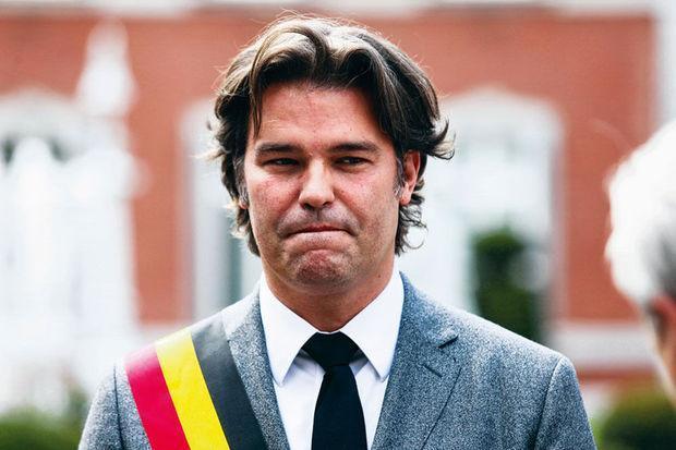 test Twitter Media - 'Vlaams zakelijk netwerk heeft PS-burgemeester Alain Mathot beschermd' https://t.co/7uVEHVRMrR https://t.co/CsN2r4Uk60