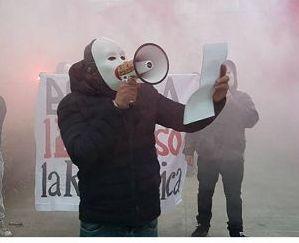 Fermato un militante di #ForzaNuova per l'intimidazione a 'Repubblica' https://t.co/zAJLIZHEnU