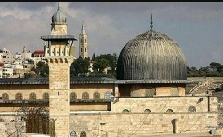 RT @epkmzc: #KudüsBizimKırmızıÇizgimiz https://t.co/3My6ceQQkb