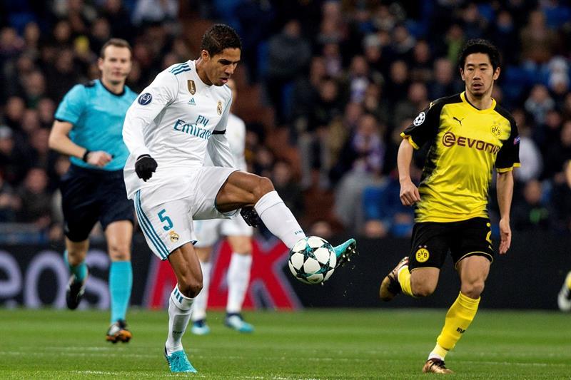 DQZBTAzX4AEoFDA Problemas en defensa para el Real Madrid, Varane se marcha lesionado - Comunio-Biwenger