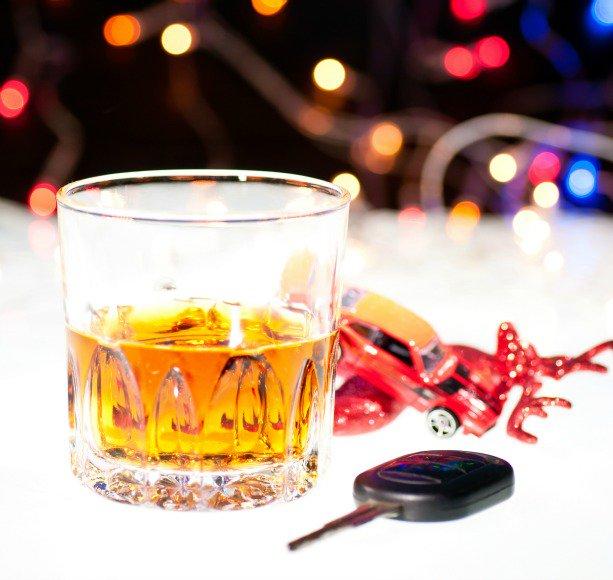dzērājšoferis, ziemassvētki avārija, nebrauc dzēris
