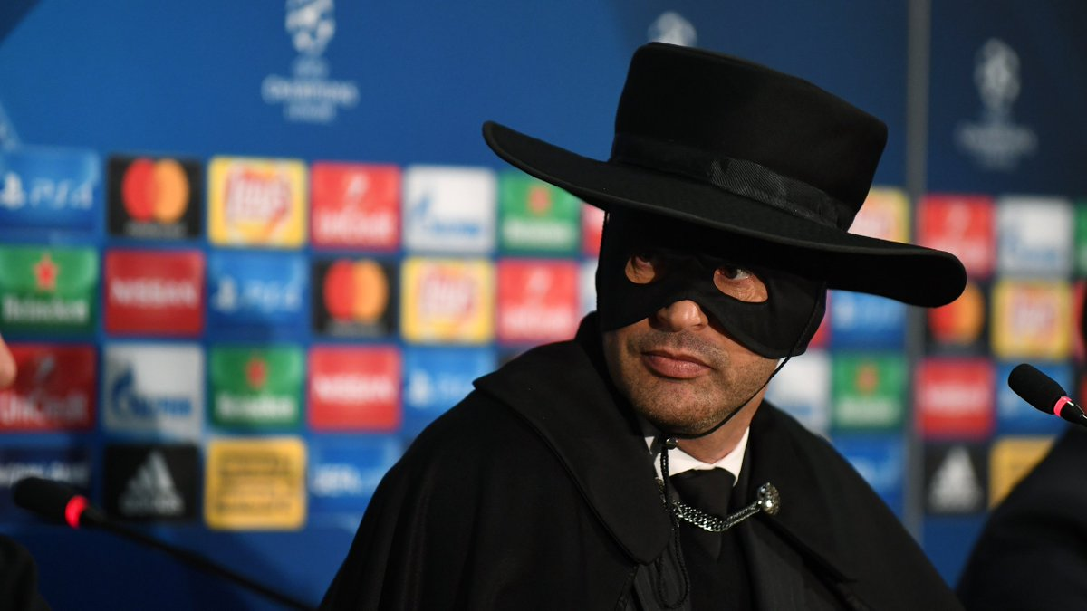 🖤 Paulo Zorro Fonseca. 😍  The head coach kept his promise and after reaching the @ChampionsLeague knockout phase attended the press conference in a #Zorro outfit.  #UCL