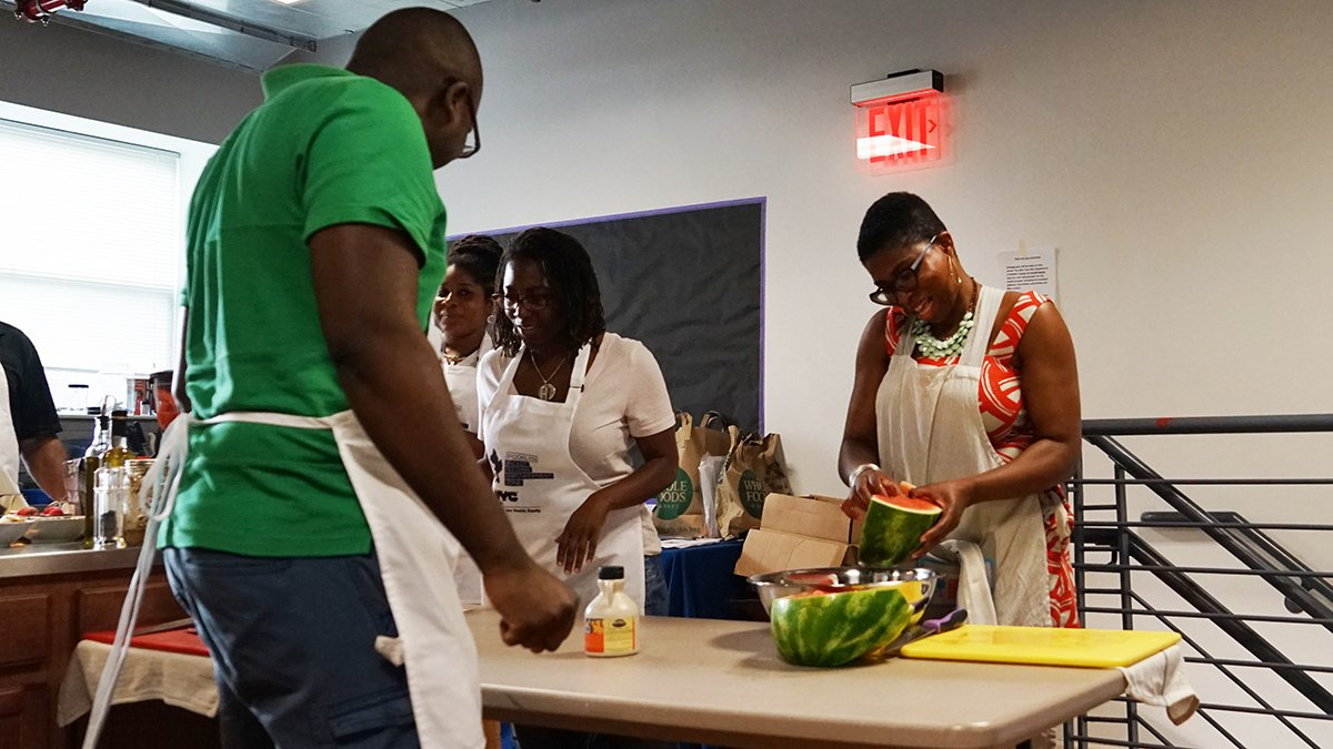 Brooklyn Daddy Iron Chef on 12/12 in #BedStuy will have a holiday theme! Dads can learn to cook & enjoy a FREE gourmet meal. Register: https://t.co/fpjr8pZzG1