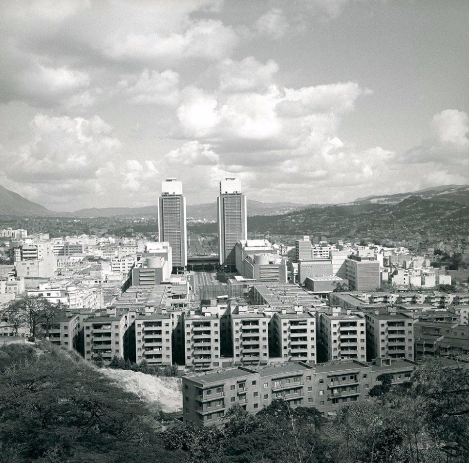 Myron Dmytrejchuk. Vista de las Torres d...