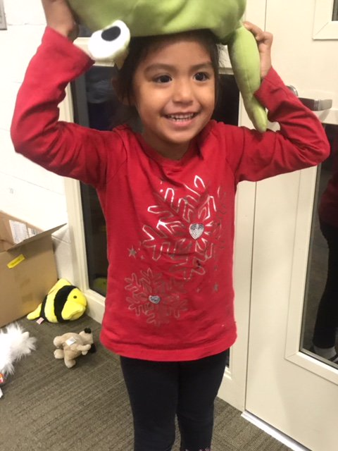 #BREAKING: 4-year-old Mia was found wandering alone in Escondido and @EscondidoPolice are searching for her parent or guardian.   Anyone with information about Mia or the whereabouts of her parents is asked to call Escondido Police at 760-839-4722.