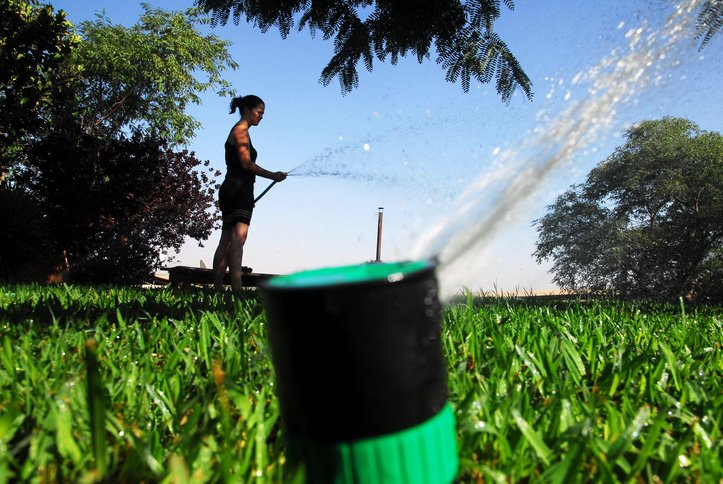 #WaterwiseXmas: Potential jail time for those flouting water restrictions   https://t.co/3CeQ8dBbPu