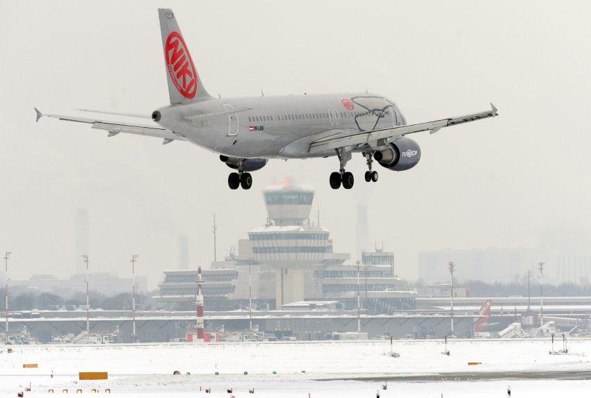Aus für Niki: Airlines schmieden Notplan für 10.000 Reisende https://t.co/2Lbm4DsRr8