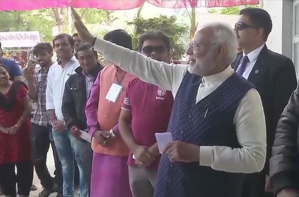 PM @narendramodi is the first sitting PM to vote from Gujarat.   True to his mantra of 'every person is important', PM Modi stands in queue for voting! #મારો_મત_ભાજપને