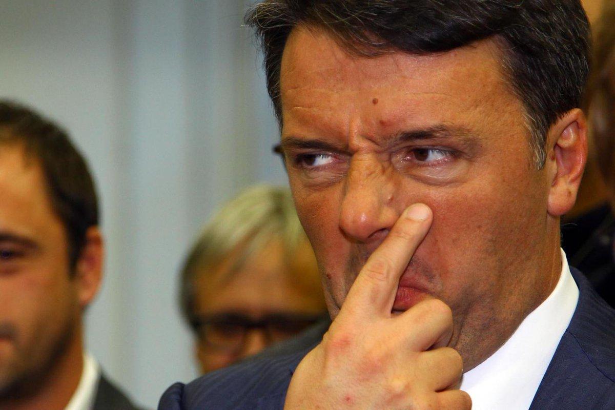 Se si circondasse di esseri pensanti, anziché di cavalier serventi, Renzi scoprirebbe che perde voti a rotta di collo non per le notizie false (o le fake news, come fa fine chiamarle): ma per quelle.. (da 'LA VOLPE DI RIGNANO') https://t.co/MuEjatifwh #FattoQuotidiano #14dicembre