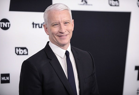 """Someone hacked Anderson Cooper's Twitter account and called Trump a """"pathetic loser"""" https://t.co/K99vQ2Z3fy"""