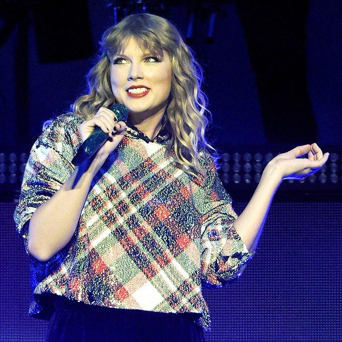 Selena Gomez, Ryan Seacrest, More Stars Wish Taylor Swift a Happy Birthday -