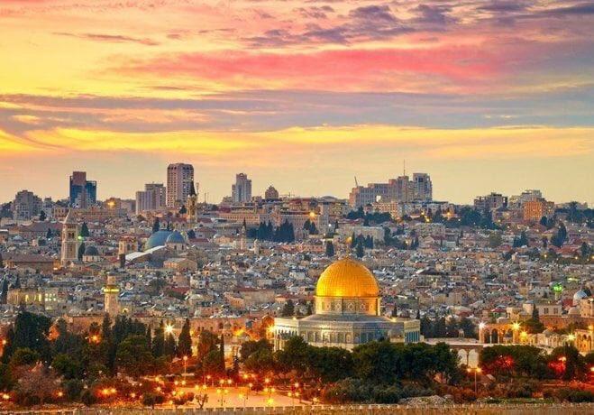 #Kudüs bizim ilk kıblemizdir, kutsalımızdır. Kudüs mukaddestir ve müslümanlarındır...  #KudusKırmızıCizgimizdir https://t.co/KymZx1bM7Q