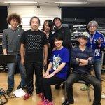 昨日、神戸前、バンドリハが全て終了しました!最後は、鈴村さんでした♪バンドメンバーと1枚頂きました!…