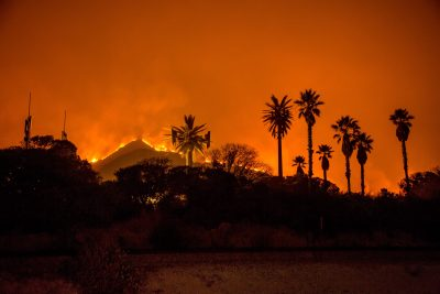 #ThomasFire in #Ventura County grows to 90,000 acres -- about 140 square miles https://t.co/cJoQYa0w6N
