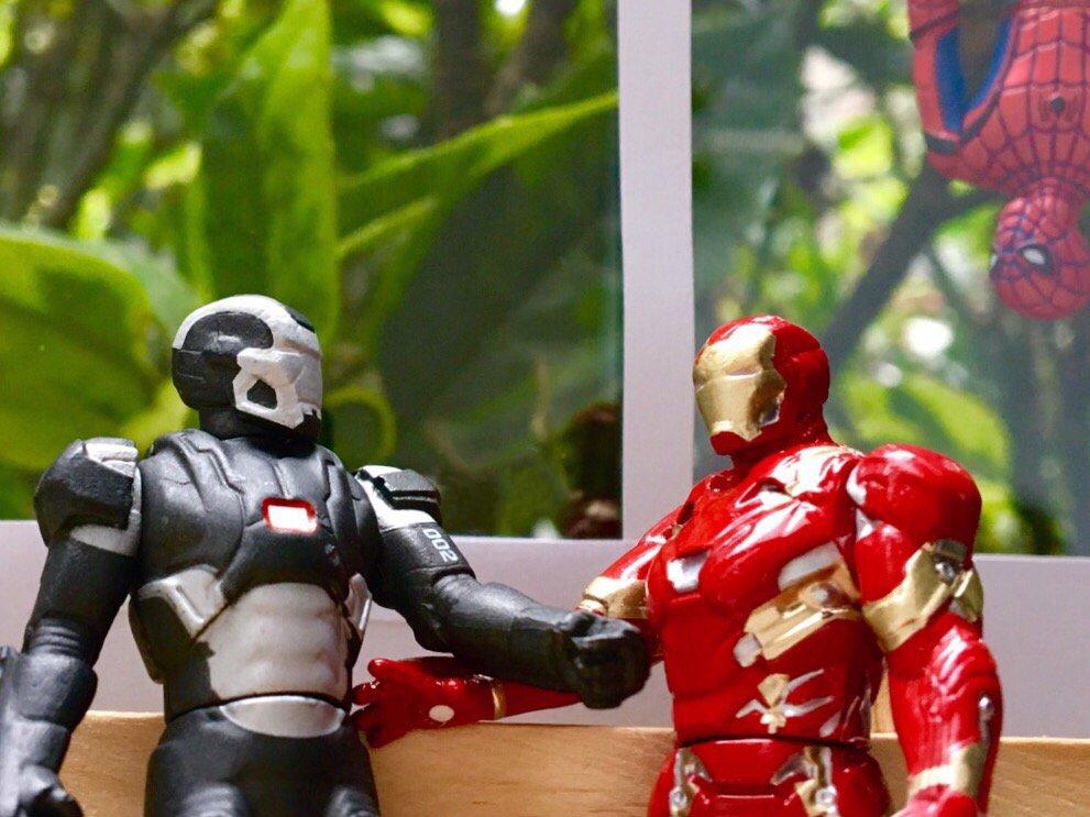 #スパイダーマン を、仲間に入れるか否か―  今後の #アベンジャーズ について、作戦会議中?  #…
