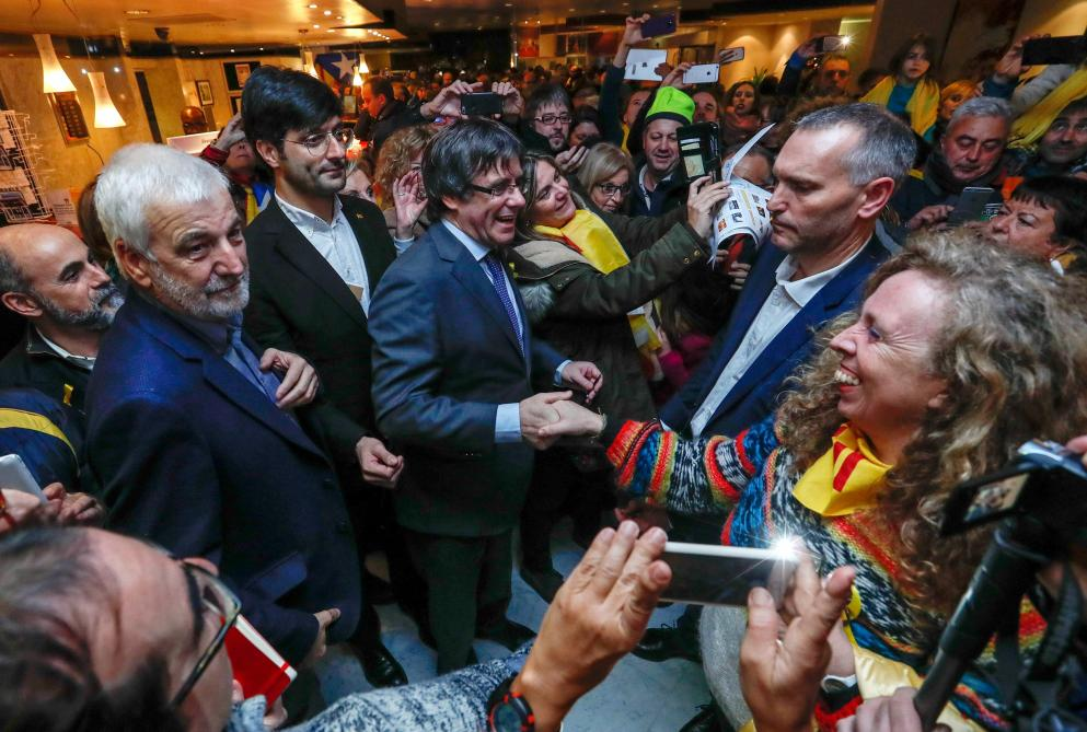 Les indépendantistes catalans arrivent à Bruxelles pour manifester (direct)  https://t.co/gJc2ZmbBn3