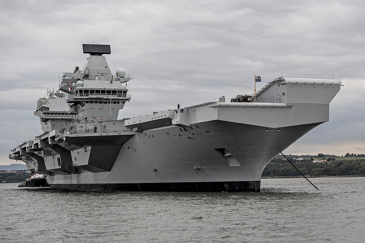 Historical irony, of course is that HMS Queen Elizabeth being commissioned today on 76th anniversary of infamous Japanese attack on US fleet at Pearl Harbor - which itself was inspired by Royal Navy carrier strike on Italian fleet a year earlier... #QNLZcommissioning