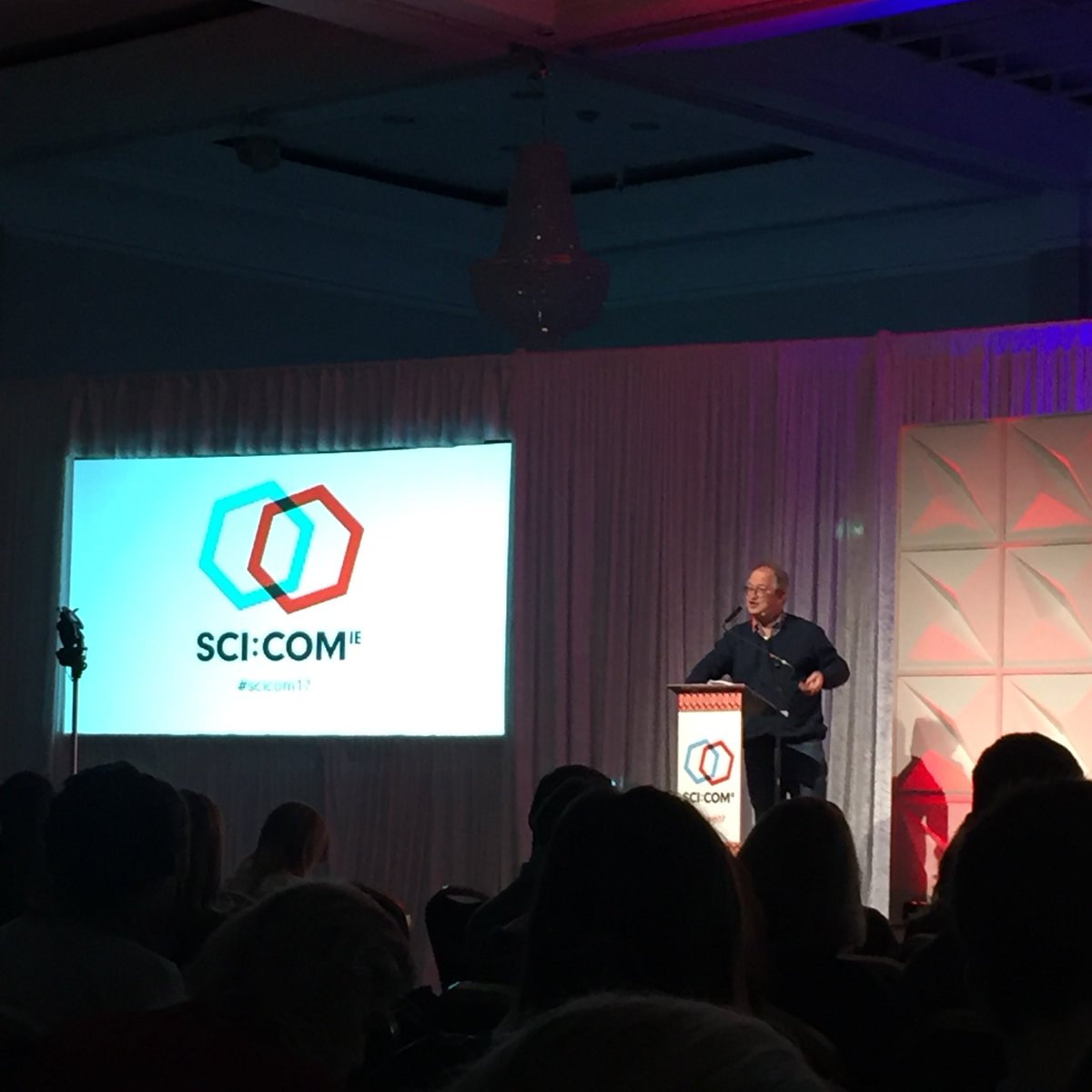 .@robinince kicking off #SCICOM17 by tal...