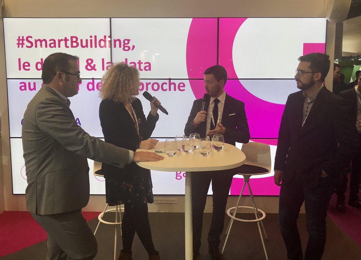 """""""Les immeubles intelligents sont au coeur de la #SmartCity. Connectés, ils sont en lien avec la ville et créent la connexion entre les individus"""" @SebastienMatty #SmartBuilding #SIMI2017 cc @salonsimi @Le_Moniteur pic.twitter.com/kLsz8LXXTj"""