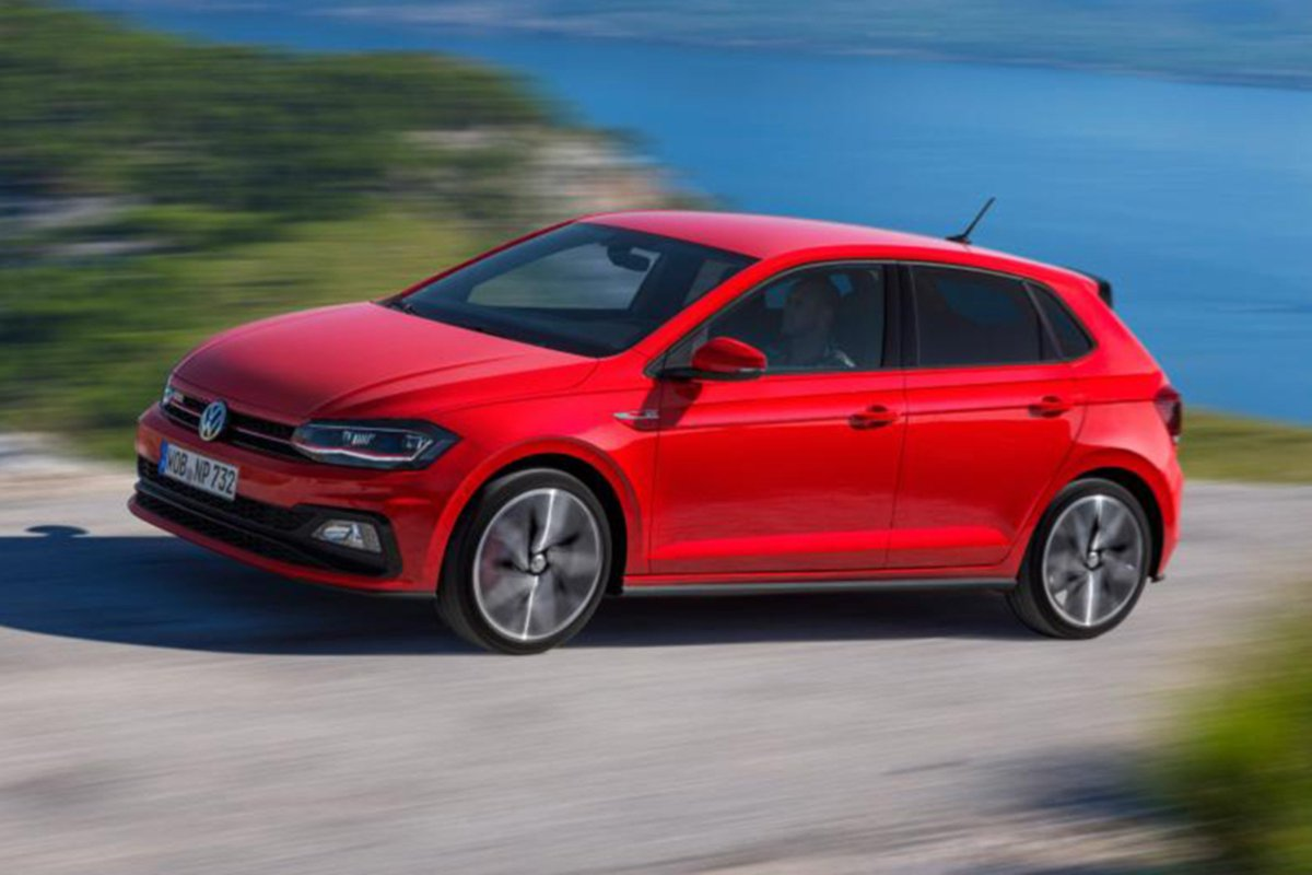 The latest #VW Polo GTI is the most potent to date, with a 2.0-litre engine from its bigger sibling, the Golf GTI. So where does it rank in the hot hatch class? https://t.co/81Eq0Ewstr