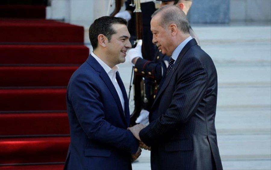 Έπεσαν οι τόνοι στη συνάντηση Τσίπρα – Ερντογάν μετά το «σόου» στο Προεδρικό Μέγαρο