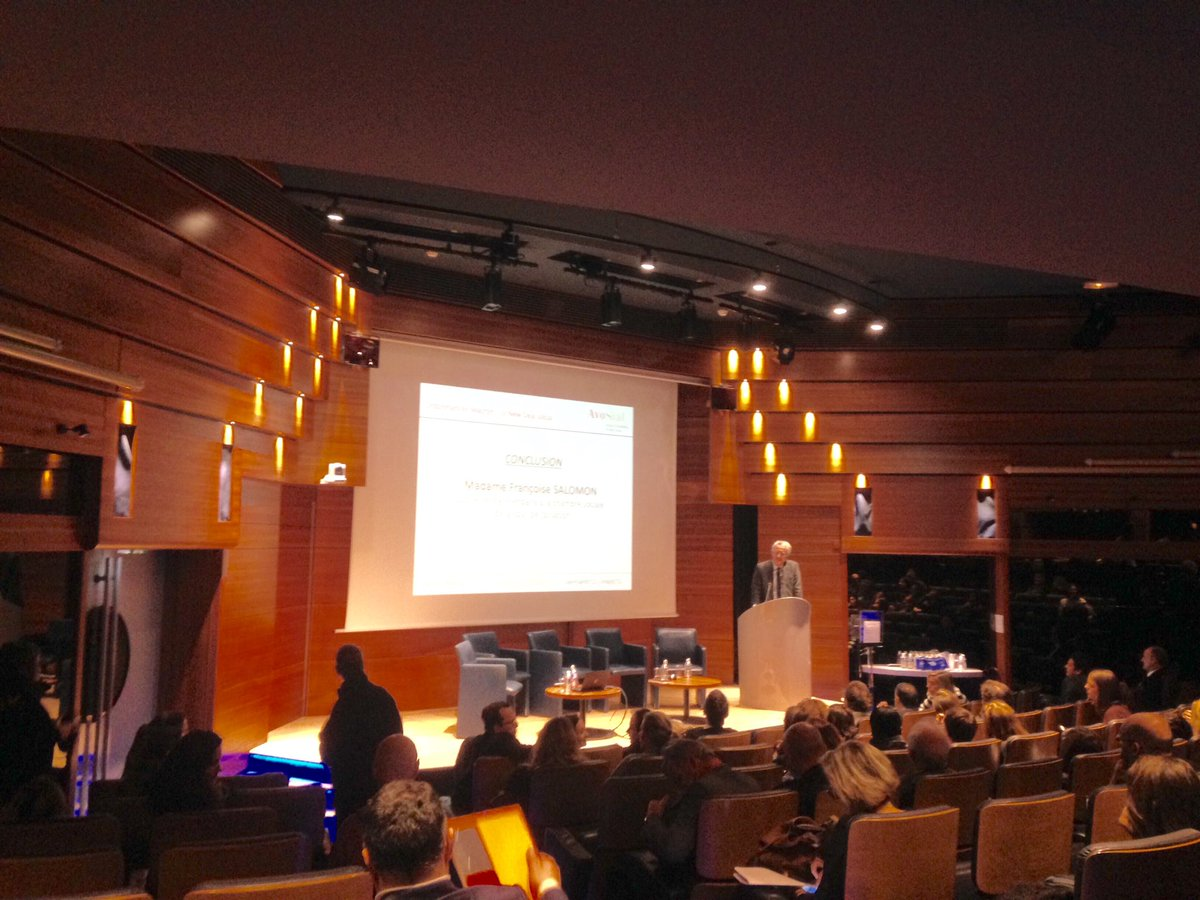 Conclusion du Colloque #OrdonnancesMacron : Le New Deal Social par Nicolas de Sevin, President d'#AvoSial. pic.twitter.com/6D1p5RV4Eg