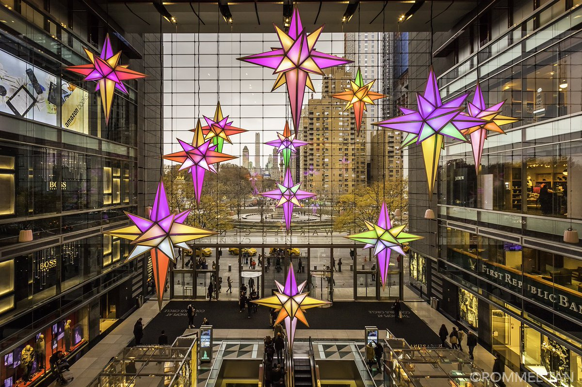 Light show at @TheShops_ColCir #BroadwayUnderTheStars #ColumbusCircle #broadway @discovering_NYC @nycfeelings @NYCDailyPics #NYC #newyork #stars #christmas  #Christmas2017 #shopping #bucketlist #canon #centralpark<br>http://pic.twitter.com/SpmPYVEvcy