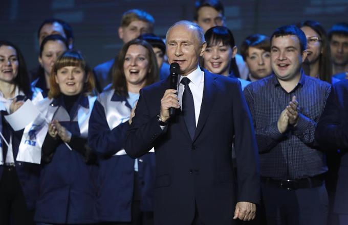 露大統領選にプーチン氏が出馬表明 ライバル不在、大勝確実 sankei.com/photo/stor…